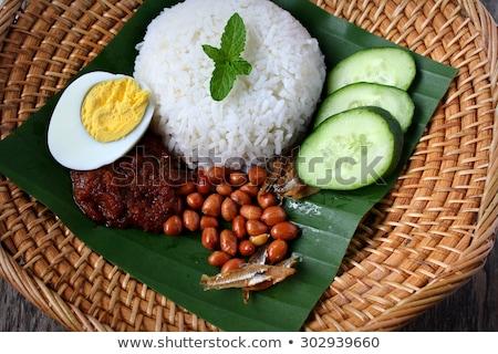 Kip populair traditioneel lokaal voedsel banaan Stockfoto © szefei
