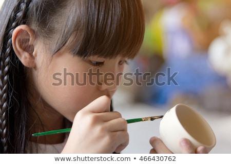 hand · meisje · schilderij · kom · aardewerk · workshop - stockfoto © wavebreak_media