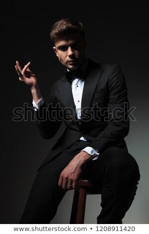 portré · jóképű · ülő · vőlegény · ujjak · szürke - stock fotó © feedough