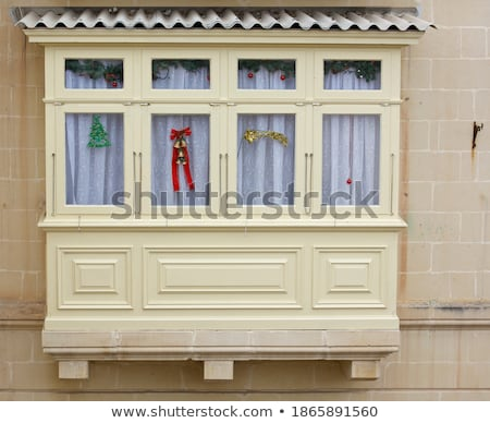 Traditional balcon fereastră Malta constructii perete Imagine de stoc © boggy