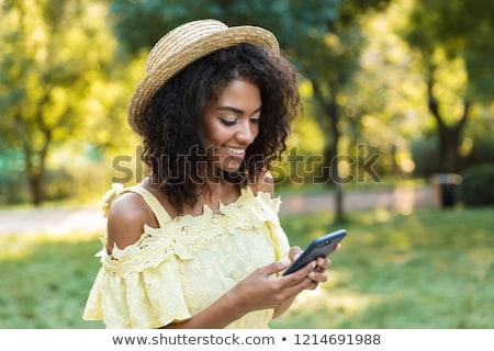 femme · marche · été · robe · robe · blanche · isolé - photo stock © deandrobot