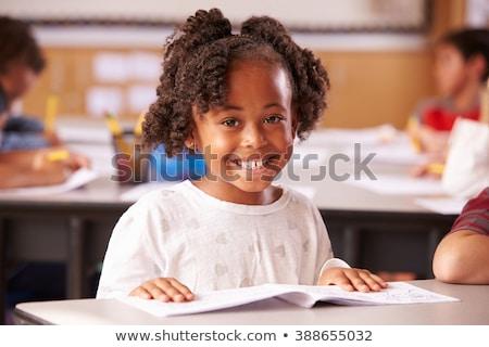 Ver feliz africano americano menina olhando Foto stock © wavebreak_media