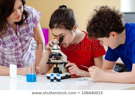 ストックフォト: グループ · 学生 · 作業 · 室 · 顕微鏡 · 医療
