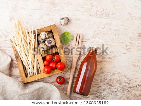 macarrão · tomates · ovos · mesa · de · madeira · madeira · fundo - foto stock © denismart