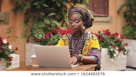 vrolijk · vrouw · lopen · stad · praten · mobiele · telefoon - stockfoto © deandrobot