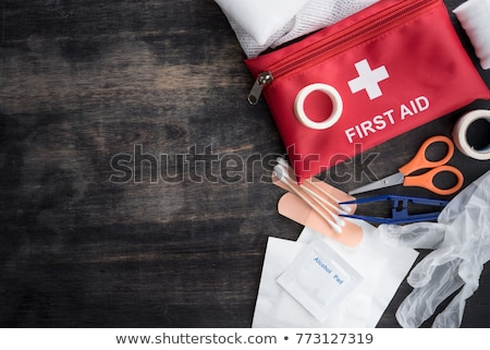 Pierwsza pomoc sprzęt medyczny niebieski krzyż szpitala Zdjęcia stock © AndreyPopov