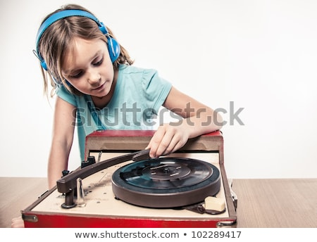 Retro dziewczyna słuchania winylu lp gramofonu Zdjęcia stock © kittasgraphics