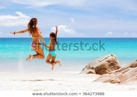 Anne kız plaj Tayland kadın Stok fotoğraf © Yongkiet