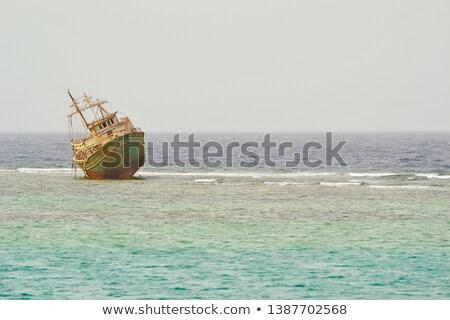 opuszczony · statku · plaży · morza · łodzi · burzy - zdjęcia stock © bryndin