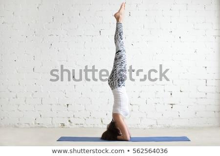 Fiatal vonzó lány egészséges klub nő gondolkodik Stock fotó © Jasminko