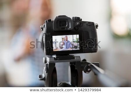Mannelijke blogger camera home bloggen mensen Stockfoto © dolgachov