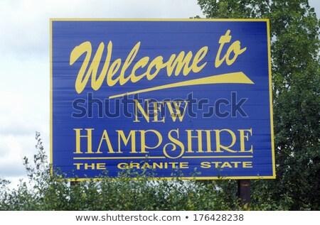 Нью-Гемпшир шоссе знак зеленый США облаке улице Сток-фото © kbuntu
