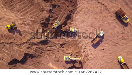 Machine route travaux terre industrielle pneu Photo stock © njaj