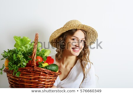femme · chapeau · de · paille · panier · légumes · fruits - photo stock © photography33