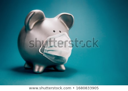 piggy · bank · seguro · rosa · assistindo · para · baixo · topo - foto stock © TaiChesco