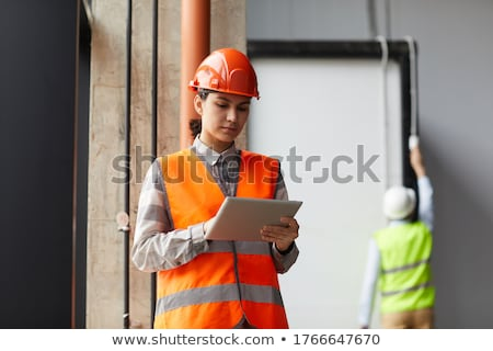 imprenditore · digitale · tablet · edificio · per · uffici · sorridere · internet - foto d'archivio © andreypopov