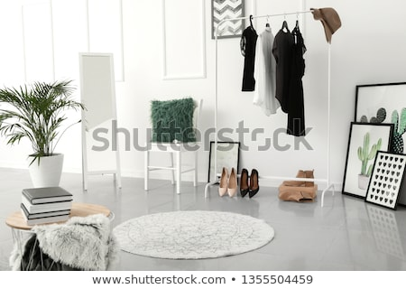 Kadın ayakta soyunma odası gülme moda genç Stok fotoğraf © deandrobot