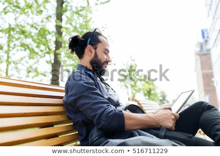 Foto stock: Hombre · sesión · calle · de · la · ciudad · banco · ocio