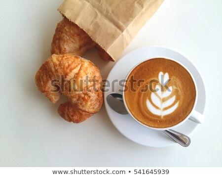 Café croissant valentine café da manhã hotel copo Foto stock © M-studio