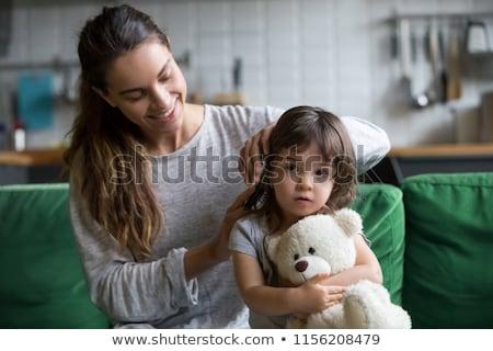 Feliz madre hija pelo casa personas Foto stock © dolgachov