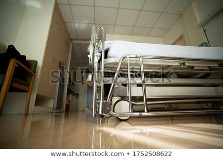 Fókusz lövés intravénás áll kórház beteg Stock fotó © wavebreak_media