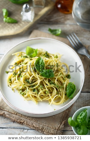 spagetti · makarna · pesto · sos · parmesan · peyniri · taze - stok fotoğraf © m-studio