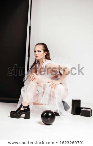versheid · vrouwelijkheid · schoonheid · portret · vrouw - stockfoto © majdansky