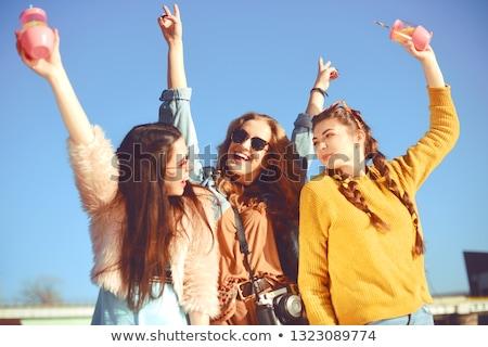 Zdjęcia stock: Grupy · dziewcząt · biały · plaży · strony · dość