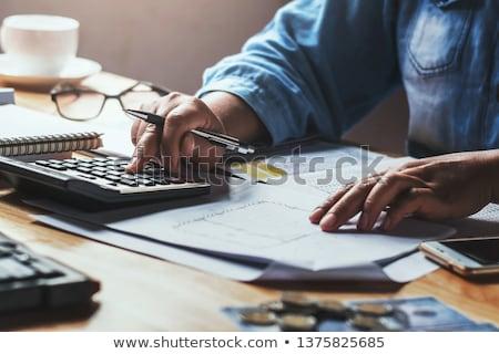 közelkép · kezek · számológép · notebook · üzlet · oktatás - stock fotó © boggy