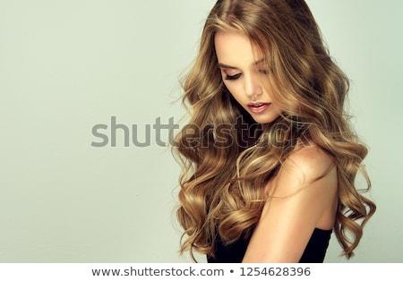 fodrász · jelentkezik · hosszú · haj · mosolygó · nő · női · haj - stock fotó © studiolucky