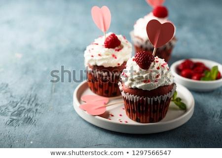 vermelho · veludo · cópia · espaço · bolo · doce - foto stock © bigjohn36