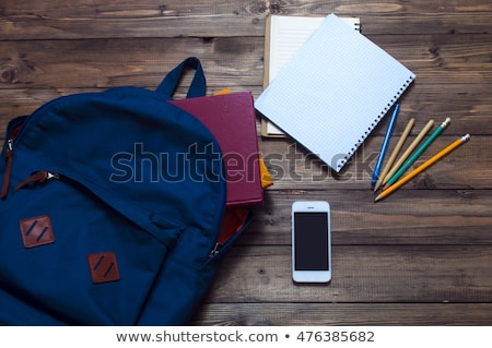 abrir · caderno · telefone · moderno · cópia · espaço · tela - foto stock © filipw