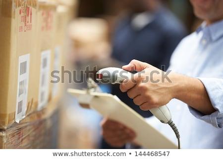 Munkás csomag raktár oldalnézet utasítás férfi Stock fotó © wavebreak_media