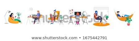 Foto stock: Freelance · mulher · laptop · ver · de · volta · trabalhando · morena