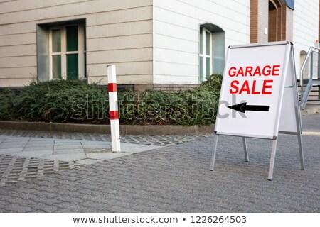 Stok fotoğraf: Garaj · satış · metin · tahta · ev · imzalamak