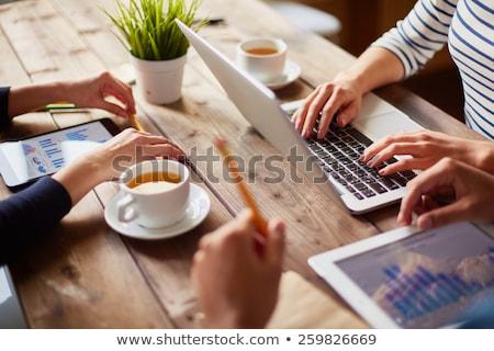 Groep mensen handen werken laptops online Stockfoto © ra2studio