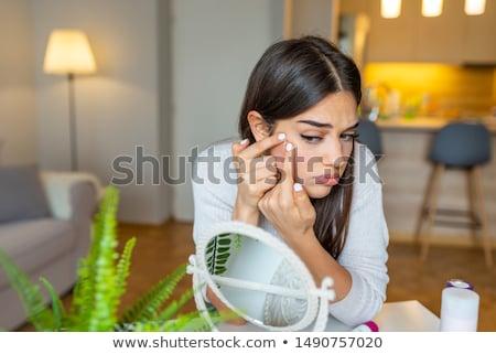 довольно · брюнетка · белый · женщины · кавказский - Сток-фото © wavebreak_media