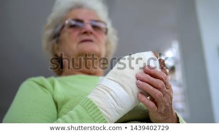 Velha quebrado pulso gipsita azul isolado Foto stock © ivonnewierink