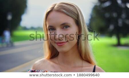 ブロンド 女性 ポーズ 市 公園 女性 ストックフォト © Kor