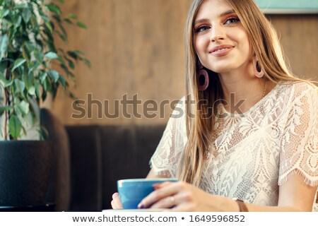 Nice pani kubek kawy kawiarnia kobieta Zdjęcia stock © meinzahn