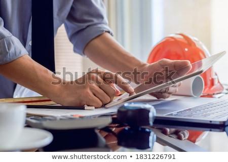 Stock fotó: Polgári · mérnök · dolgozik · rajz · toll · tabletta