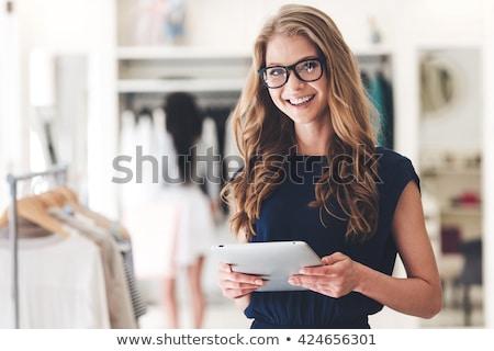 Nő bolt mosolygó nő mosolyog mosoly munka Stock fotó © monkey_business