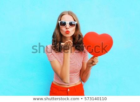 Gyönyörű nő vörös rúzs szív alak valentin nap szépség emberek Stock fotó © dolgachov