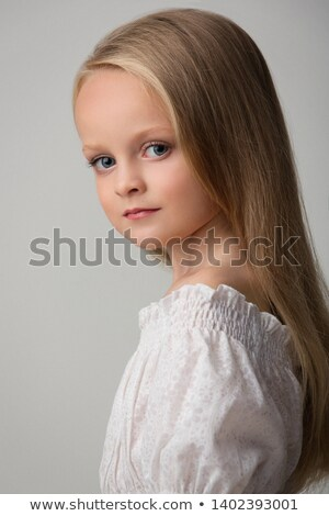 Nina glamour retrato hermosa dama aislado Foto stock © gorgev