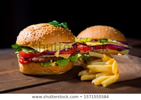 Stockfoto: Groot · cheeseburger · aardappel · saus · geïsoleerd · groene