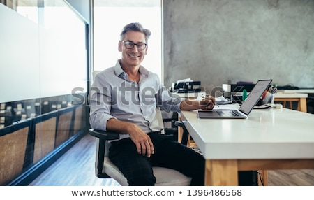 Dorosły mężczyzna portret młodych Zdjęcia stock © handmademedia