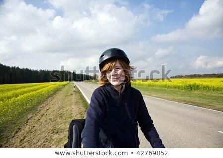 fiatal · srác · hegyi · kerékpár · turné · bicikli · gyönyörű · vidék - stock fotó © meinzahn