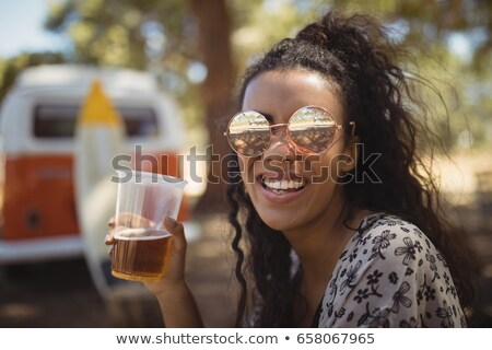 donna · birra · vetro · fabbrica · di · birra · femminile · occhiali - foto d'archivio © wavebreak_media