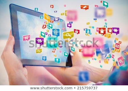 女性 · タブレット · ストア · 若い女性 · デジタル · スーパーマーケット - ストックフォト © ra2studio