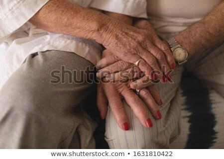 表示 手をつない ベッド ホーム ストックフォト © wavebreak_media